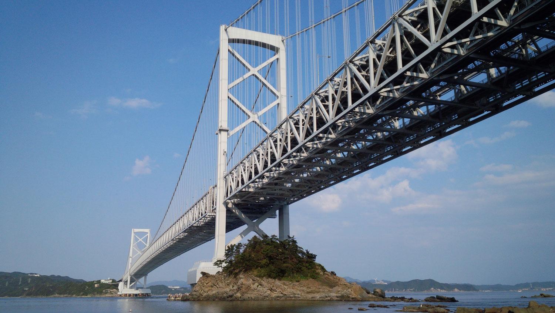 港珠澳大桥开通 粤港澳各产业迎崭新机遇